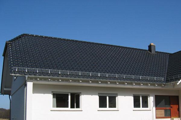 dachdecker preise pro qm fr ein reetdach bei einem with dachdecker preise pro qm elegant braas. Black Bedroom Furniture Sets. Home Design Ideas